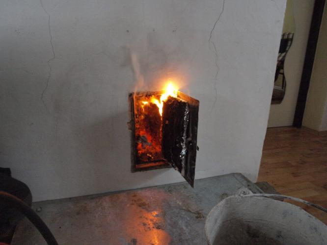 Hořící saze v komíně.JPG