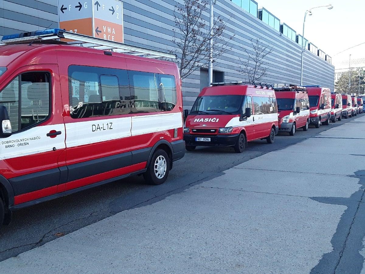 parkující technika u BVV.jpg