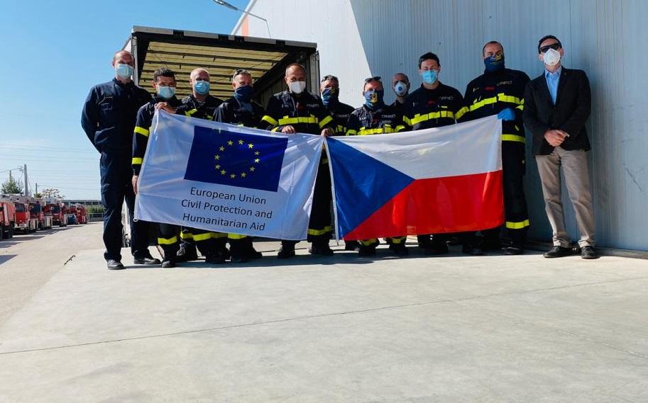 12-Humanitarni-pomoc-Recko-vykladka-Ateny-10_upravené.jpg