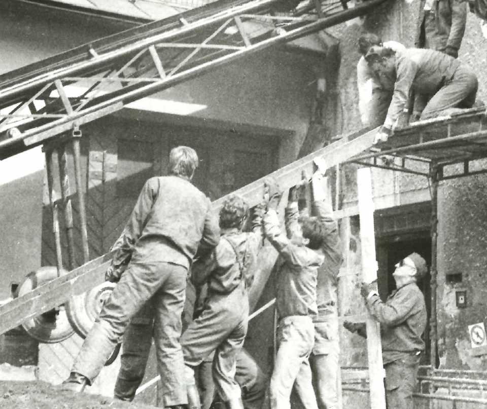 Přestavba budovy Krajského ředitelství (plk. Ing. Martin Rosina na fotografii druhý z leva)