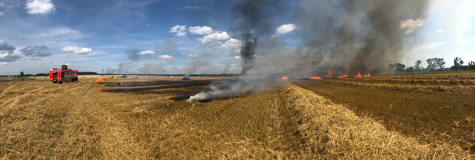 5_JČK_Požár lisu na slámu a přilehlého pole.jpg