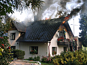 Požár od horkého popela