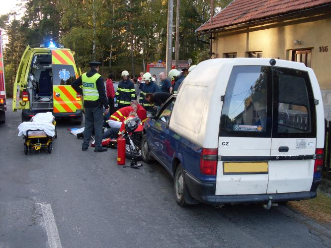 f59e8f1899e Ve středu 17. října v 16.43 hodin vyjela jednotka hasičů ze stanice  Litomyšl a dobrovolní hasiči z Budislavi k dopravní nehodě motocyklu a  osobního ...